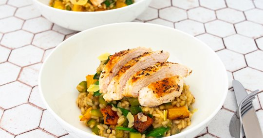 Roasted pumpkin, zucchini, asparagus & spinach risotto with grilled chicken